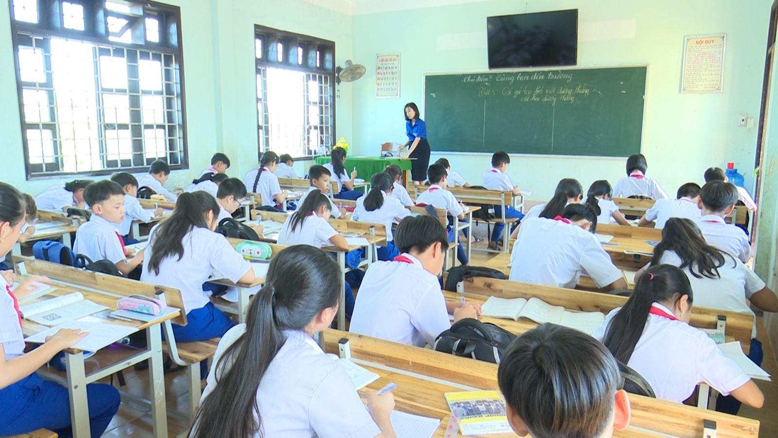 Thành phố Đông Hà sẽ điều động giáo viên, nhân viên các cấp học thuộc UBND thành phố quản lý từ đầu năm học mới 2019-2020.