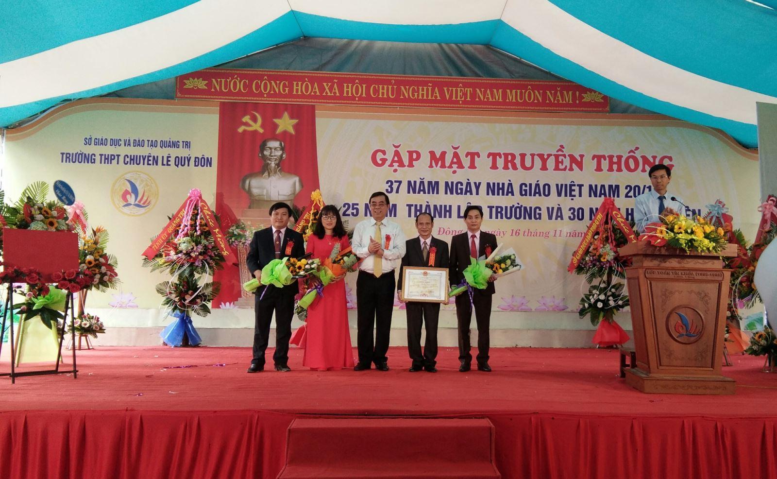 Trường THPT Chuyên Lê Quý Đôn kỷ niệm 25 năm thành lập trường